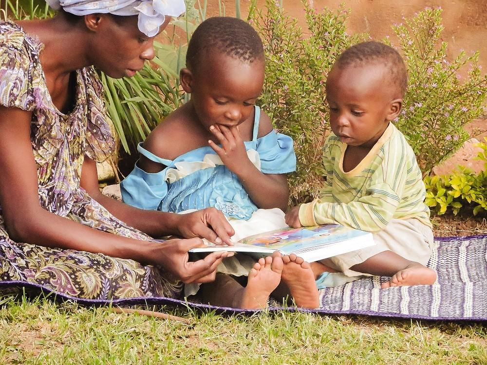 Viime vuonna Marttyyrien Ääni jakoi Ugandassa 3000 Raamattua kristityille, joilta se puuttui, uusille kristinuskoon islamista kääntyneille sekä nuorille. Kuva: Marttyyrien Ääni