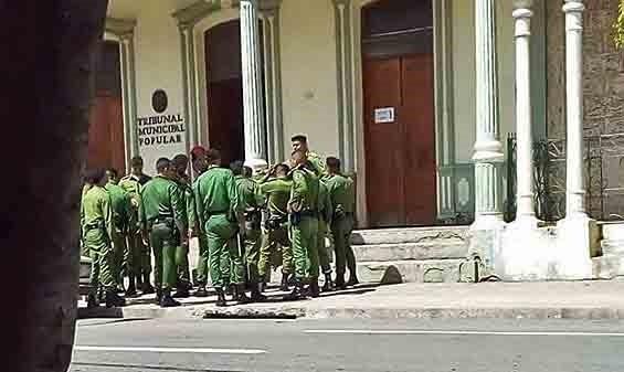 Armeijan eliittijoukkojen esiintymistä oikeudessa pidettiin tarpeettomana ja uhkaavana. Kuva: Morning Star News