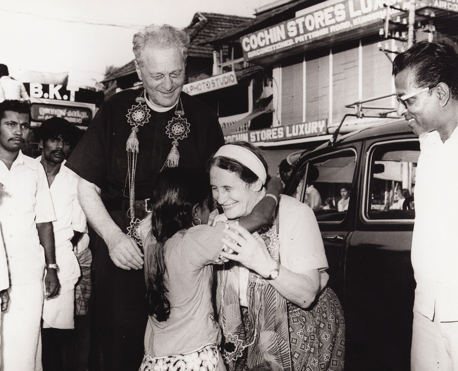 Wurmbrandit-matkasivat-ympäri-maailmaa-kertomassa-vainotusta-seurakunnasta.-Tässä-he-ovat-vierailulla-Cochinissa-Intiassa.-USA-SI-2015